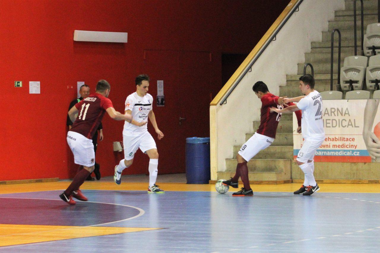 Utkání Sparty s Mělníkem nabídlo osmnáct gólů