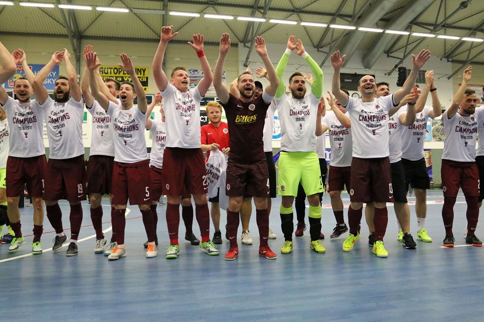 Sen se naplnil – Sparta futsalovým šampionem